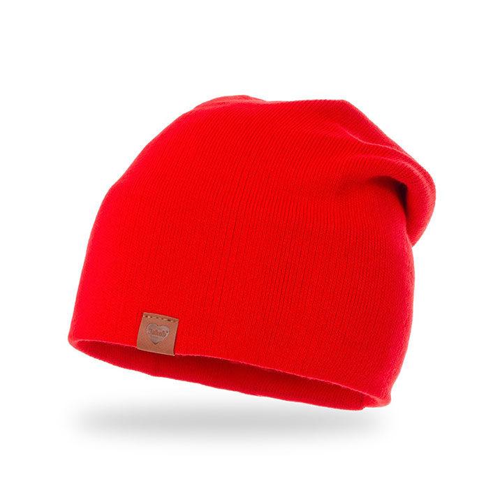 3 powody, dla których warto nosić czapki wiosenne